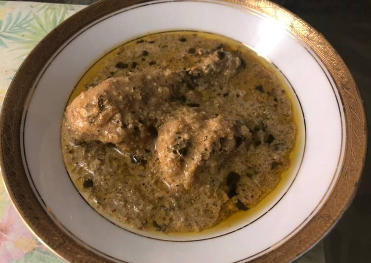 Dahi wala Kukkad Chicken in yoghurt curry base