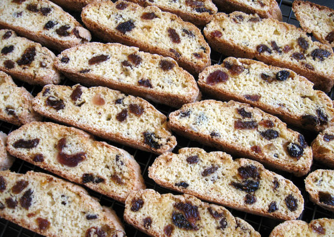 Dried Mixed Fruit Biscotti