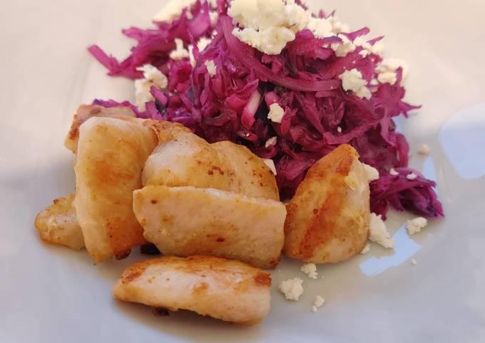 Der einfachste Weg Um Jamie Oliver Rotkohlsalat mit gebratenem Hähnchen und Feta zu machen