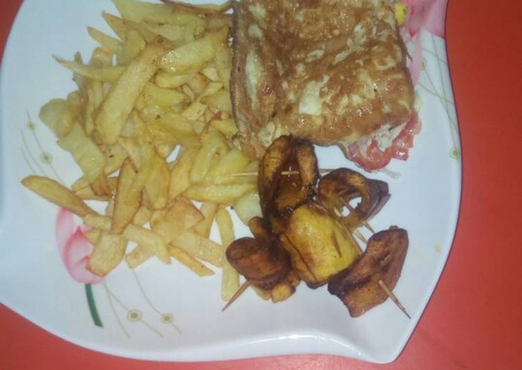 Chips nd Eggs with plantain ring!#breakfast