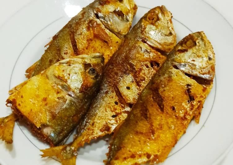 Ikan Kembung Goreng Kuning