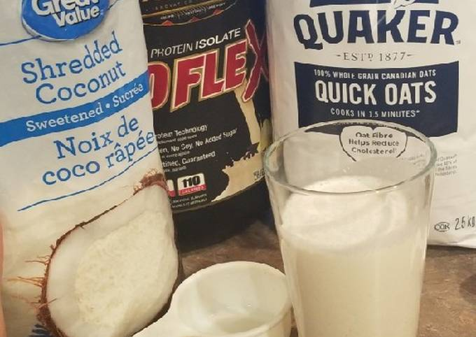 Vanilla protein Oatmeal coconut smoothie