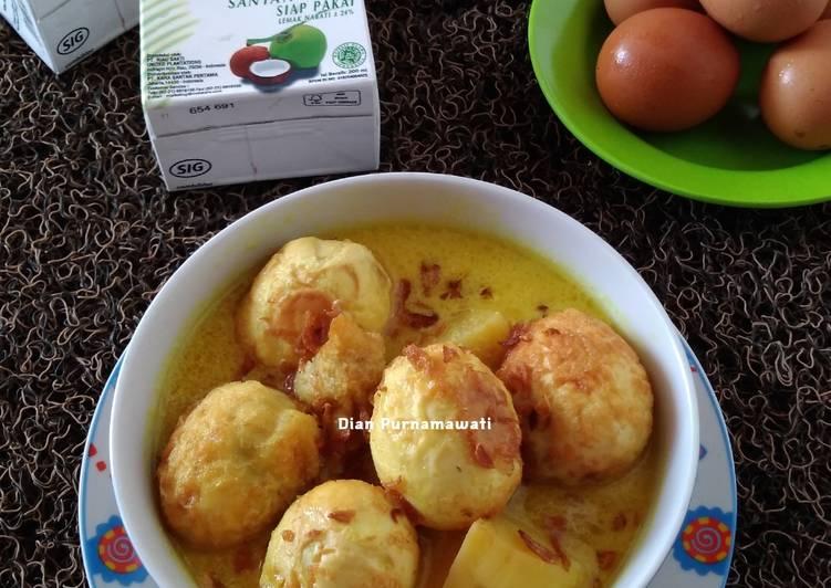 Opor Telur Ala Santan Kara