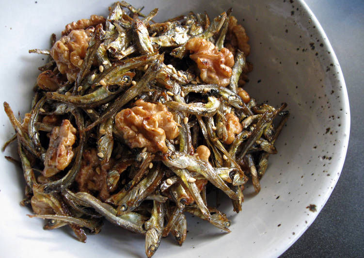 Easiest Way to Prepare Ultimate Scrumptious Dried Sardines & Walnuts