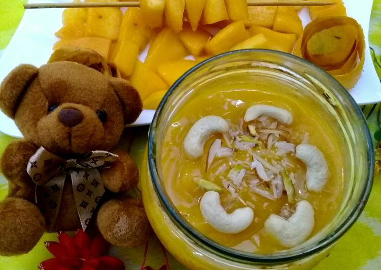 What are some Dinner Easy Homemade Mango Smoothie