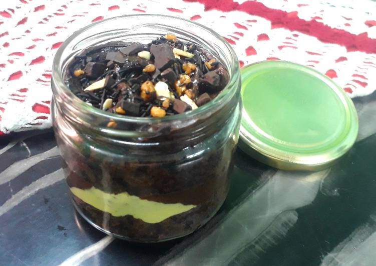 Old Fashioned Dinner Easy Cooking Chocolate Cake in a jar
