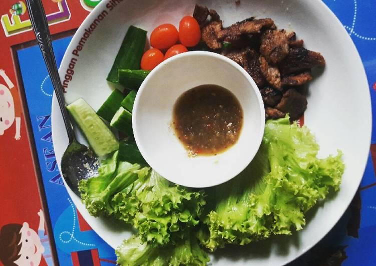 Beef wrap in lettuce