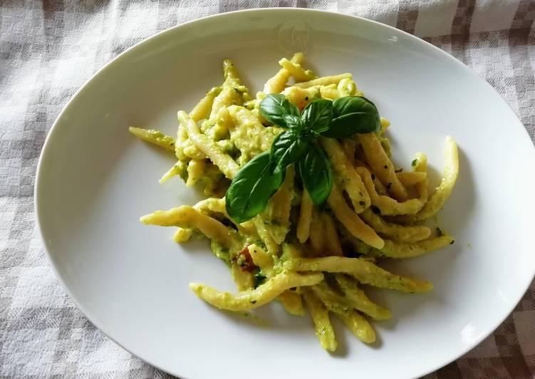 Ricetta Trofie con crema di zucchine e basilico