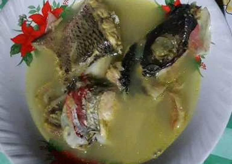 Masak berkuah simpel Kepala dan ekor Ikan kakap
