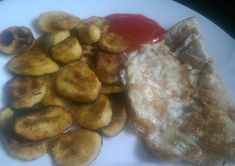 Shallow fried Plantain and eggs