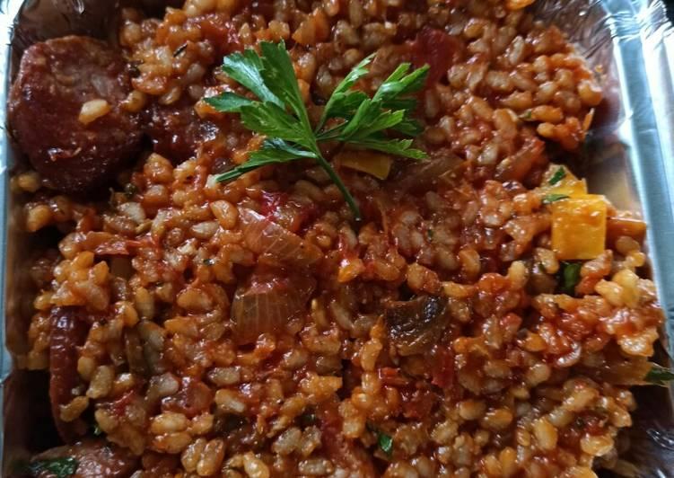 Risotto saucisses fumées à la tomate