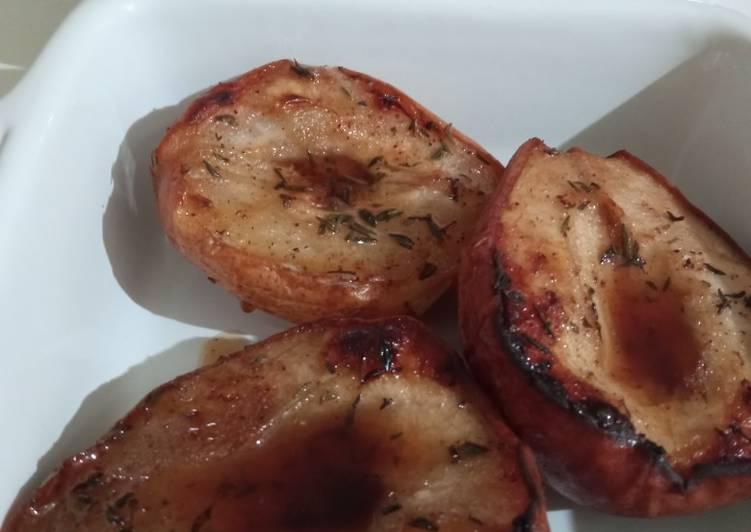Comment faire Faire Appétissante Poires rôties au thym et sirop d'érable
