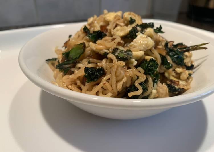 Egg & Kale fried noodles