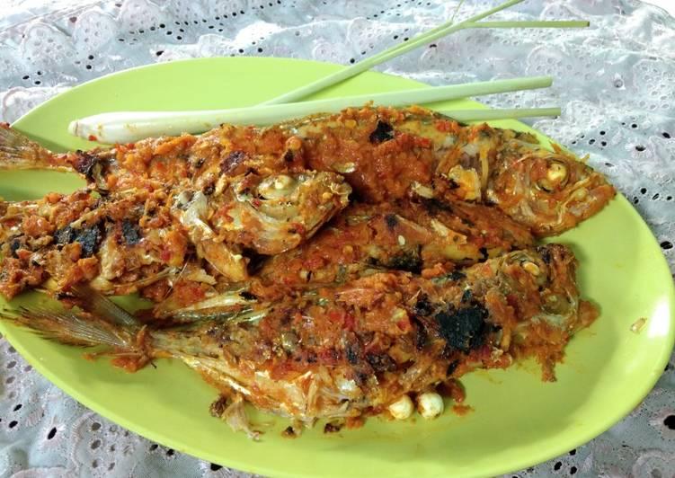 Pecak Ikan Ayam - Ayam (Khas Aceh)