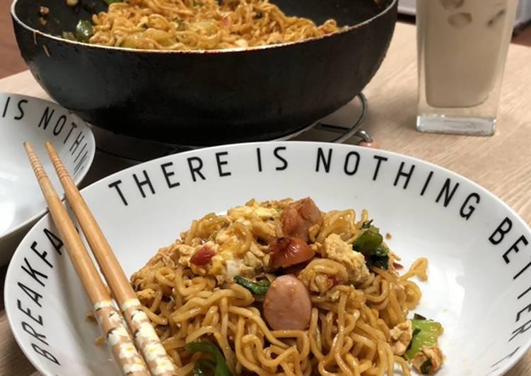 Resep Indomie goreng sosis Paling dicari