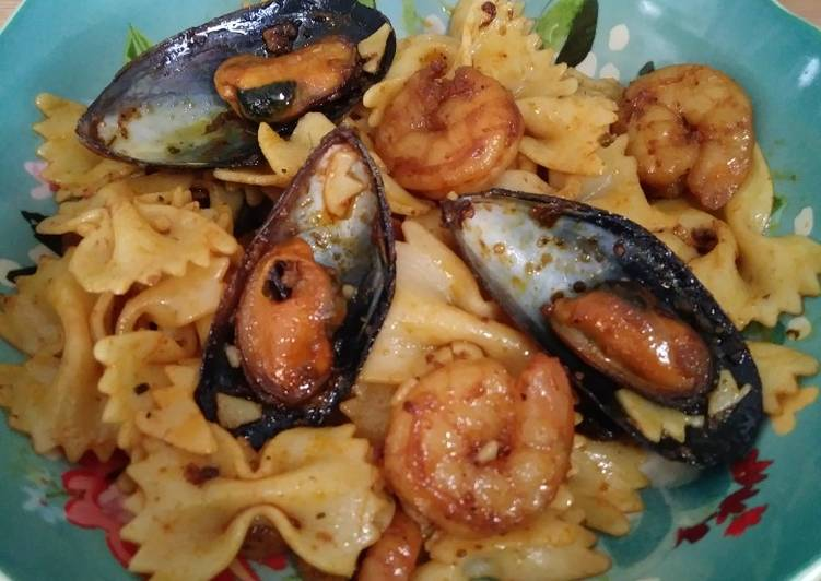 Easiest Way to Cook Yummy Bowtie pasta with seafood