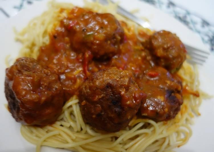 Foods That Make You Happy Meatballs in tomato gravy