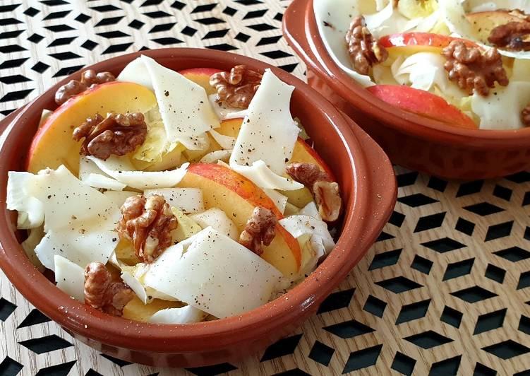 Salade d'endives aux noix et fromage de brebis