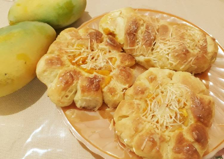 Roti bunga lembut toping mangga