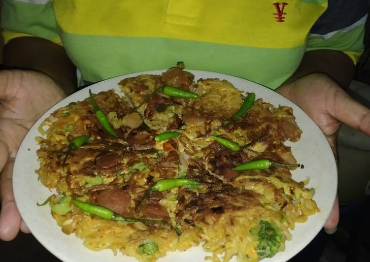 Omelet mie instan