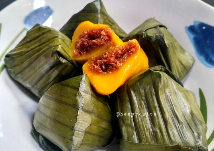 Mendut aka Kue Bugis Ubi Kuning - cookandrecipe.com