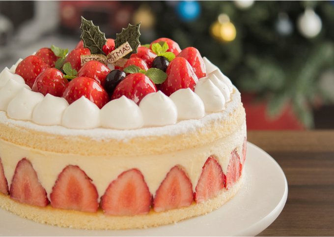 Christmas ☆ Strawberry and White Chocolate Mousse Cake