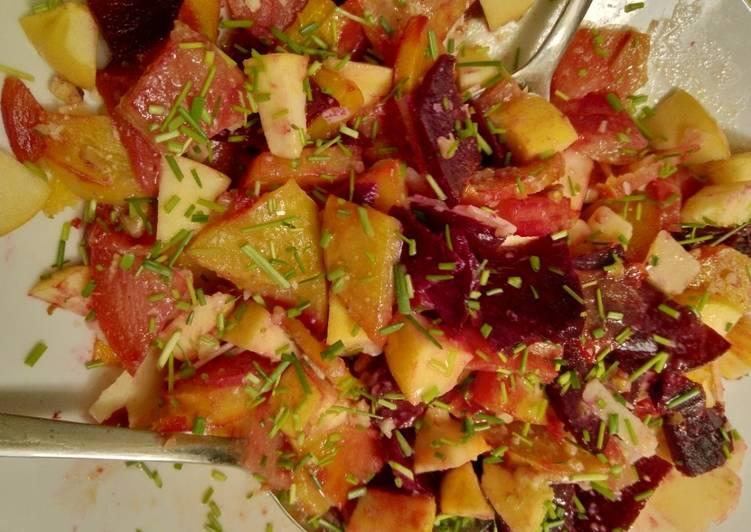 Herbstlicher bunte Bete-Salat