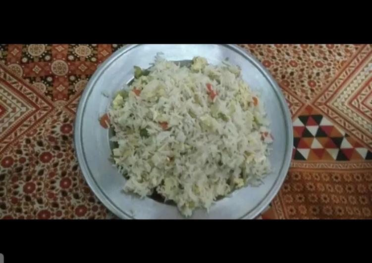 Vegetable egg rice
