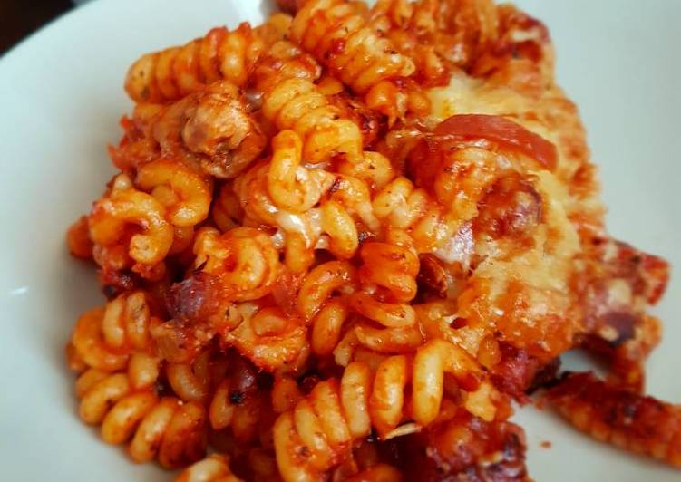Easiest Way to Make Homemade Chicken and tomato pasta bake