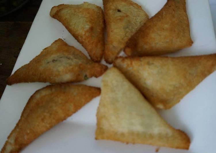 Empanadas navideñas de pan de caja, queso y pimiento rojo las Correa