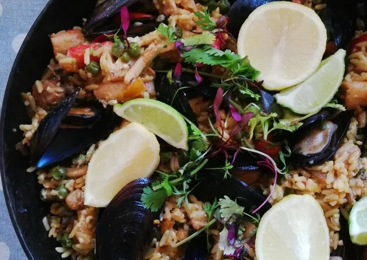 Learn How to Improve Your Mood with Food Paella made on the braai