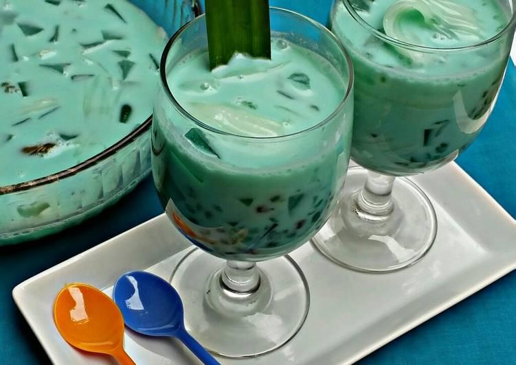 #9 Buko Pandan (santan + susu)