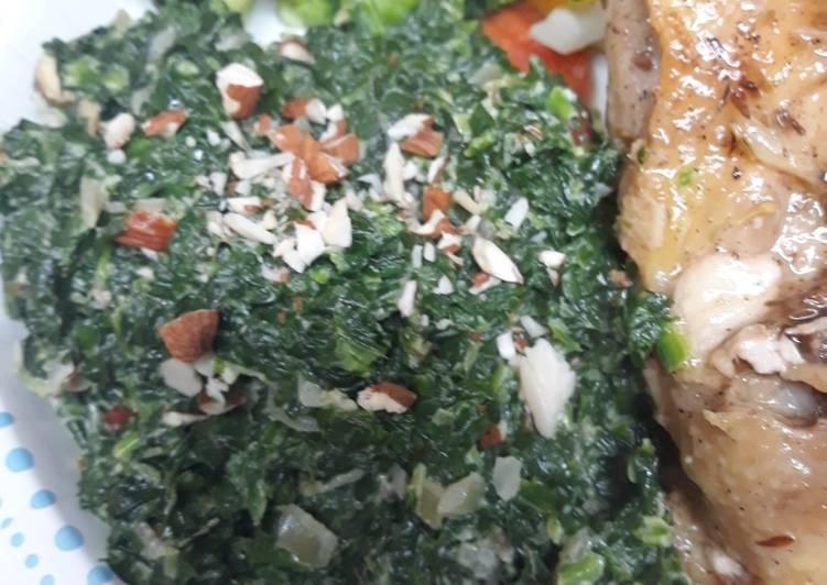 Creamy Spinach Amandine