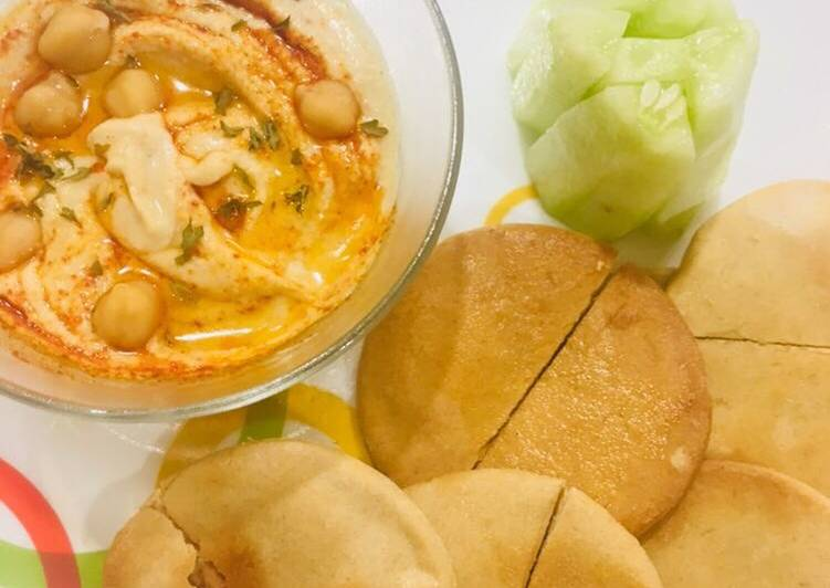 15 Minute Recipe of Fall Hummus With Toasted Pita Bread