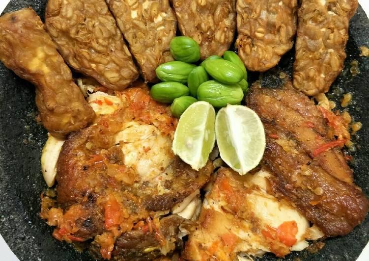 Ayam geprek campursari (tempe+pete)