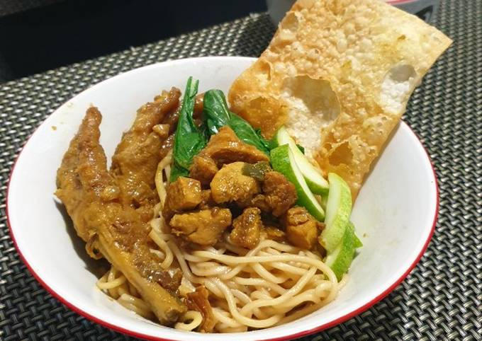 Steps to Prepare Homemade Chicken Noodles + Chicken Feet: Indonesian Street Style