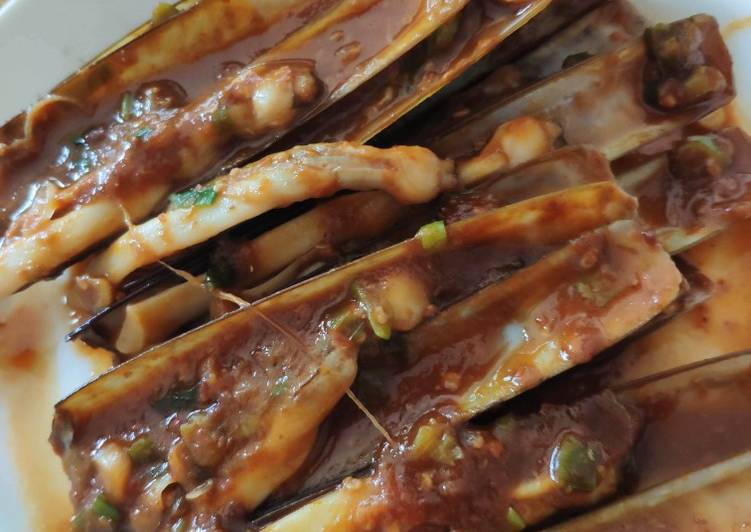 Easiest Way to Make Tasty Sambal Razor Clams