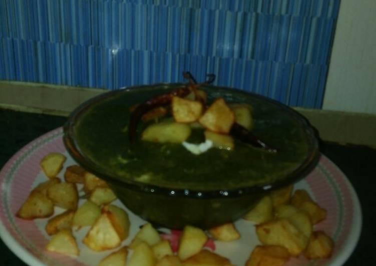 Easiest Way to Prepare Award-winning Palak potatoes curry