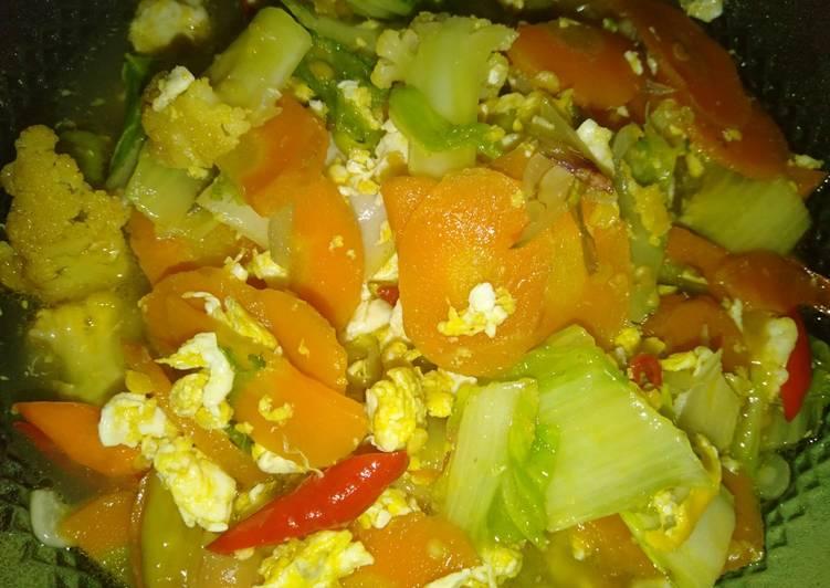 Tumis sawi putih wortel telur kembang kol