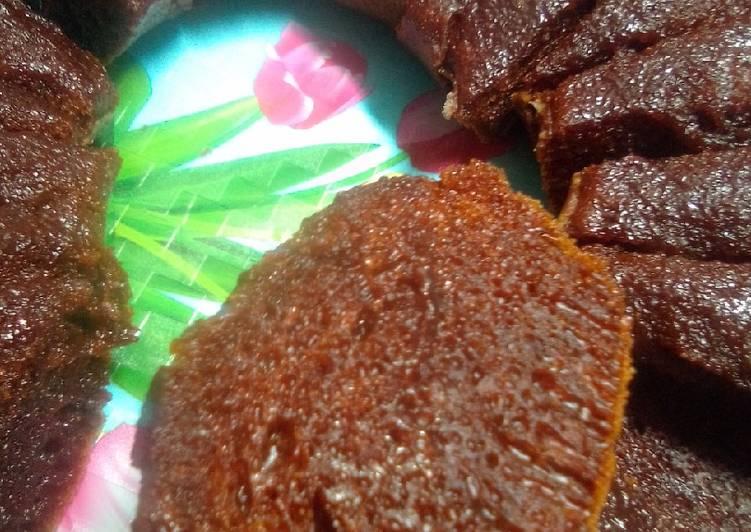 cara mengolah Bolu karamel / sarang semut kukus no mixer - Sajian Dapur Bunda