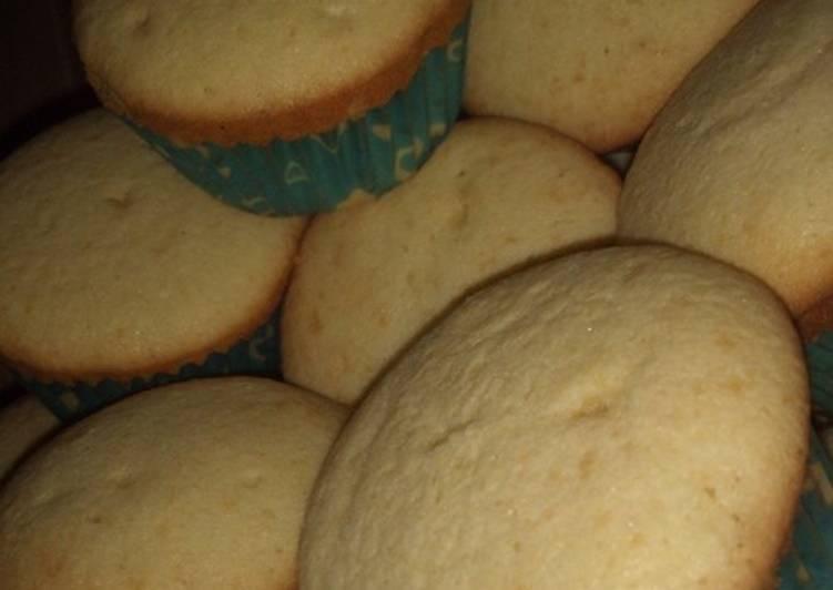 Coconut cup cakes by Asma'u umar