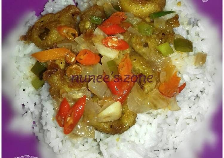 Crispy Squid Rings with Padangnese Sauce (Cumi goreng tepung pakai saus padang)