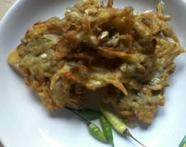 Bakwan goreng ikan bilis (ikan teri)