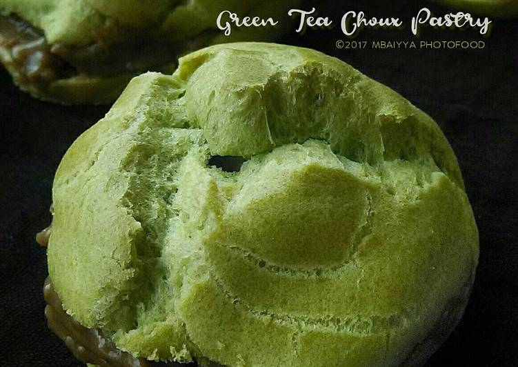 Green Tea Choux Pastry with Almond Chocolate Vla