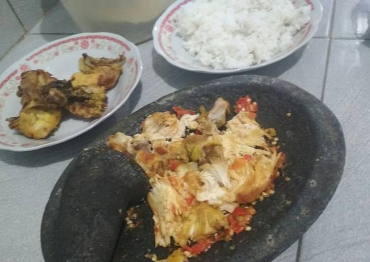 Ayam Penyet Sederhana