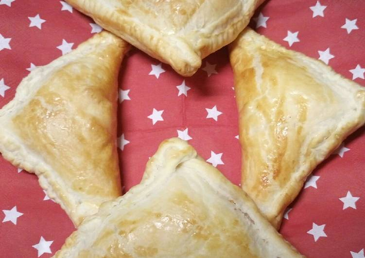 Recipe of Perfect Anchovy pastry puffs 🎄