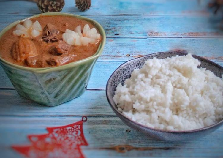 How to Cook Delicious Massaman Beef Curry