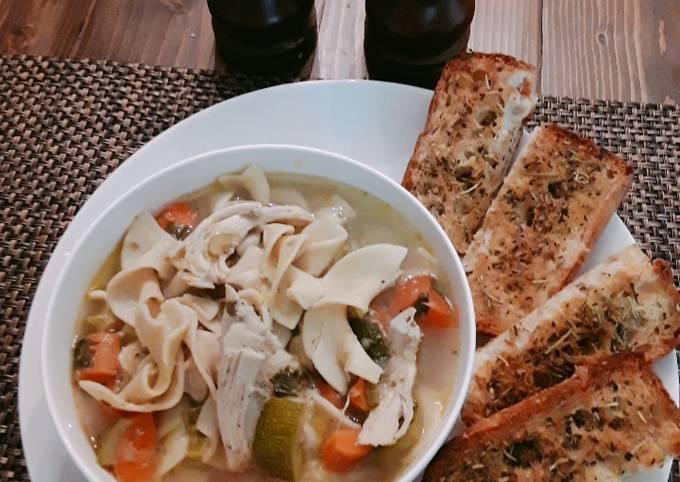 Recipe: Delicious Chicken noodle soup