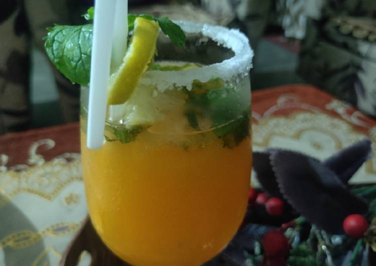 Mix fruit juice mojito