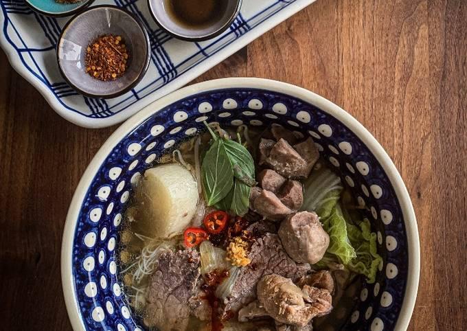 Pho [Beef Noodle Soup]